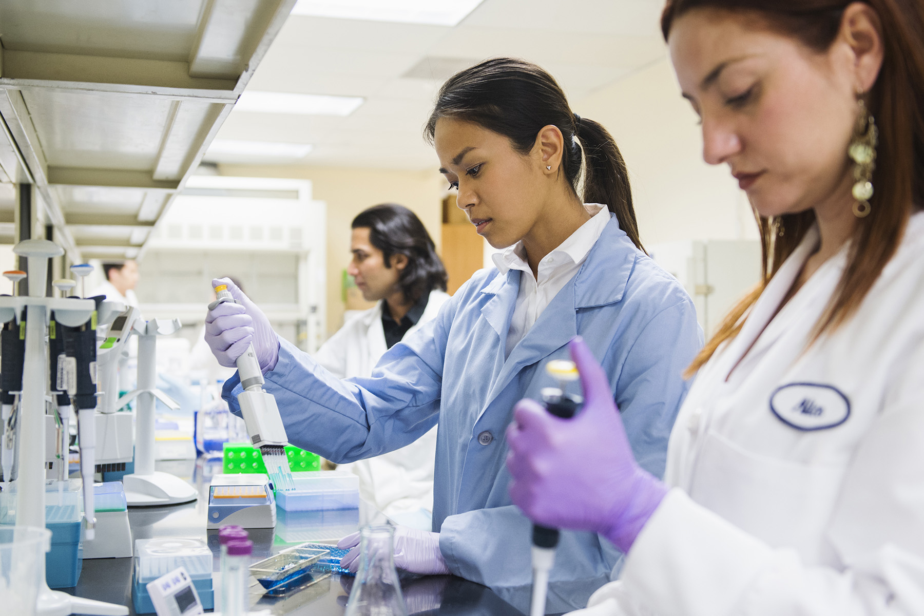 Female scientists in the lab.